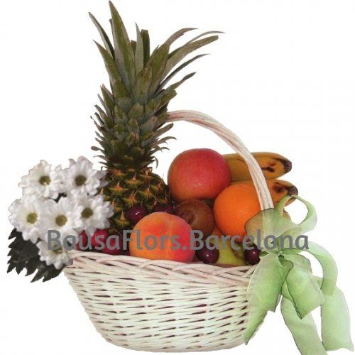 Cesta Frutas Variadas con Piña