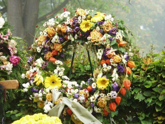 Corona Funeraria Sol, Flores para Sepelio, Corona para Difuntos, Enviar Flores al Tanatorio, Coronas de Flores para Tanatorio