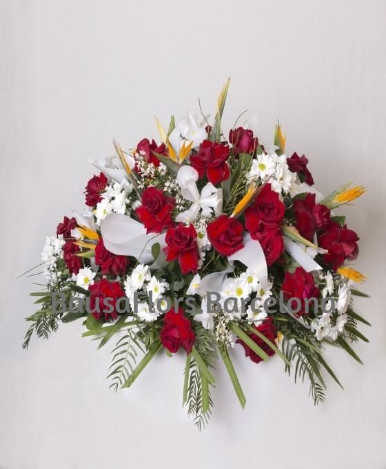 flores rojas y blancas